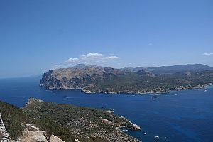 Senderismo por La Trapa en Mallorca con vistas espectaculares de Dragonera