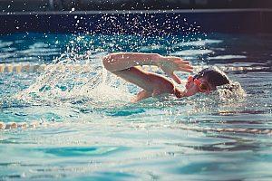 Vacaciones de natación en familia o entrenamiento de natación en el sur de Mallorca