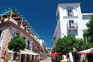 Tour por el Casco Antiguo de Marbella con tapas y degustación de vinos