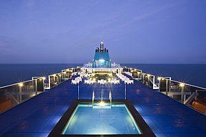 Desde Barcelona: Visita Ibiza ahora, Ferry + 2 noches en un Hotel de *** o ****