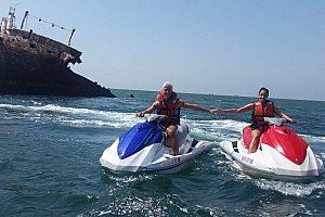 Motos de agua en Chipiona: la Costa de la Luz a todo gas