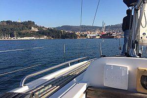 Velero privado desde Vigo con visita a las islas Cíes