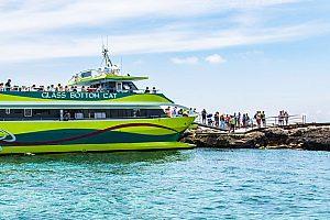 Fabulosa excursión en la costa este de Mallorca: Barco con fondo de cristal en Sa Coma