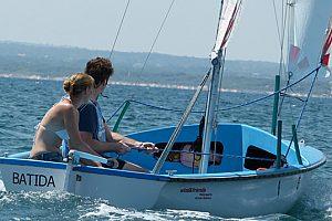 Aprende a navegar o alquila un velero en Alcúdia en el norte de Mallorca