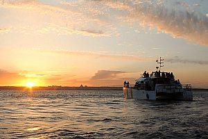 Viaje de ensueño en barco por el Algarve hacia la puesta del sol con barbacoa en la playa