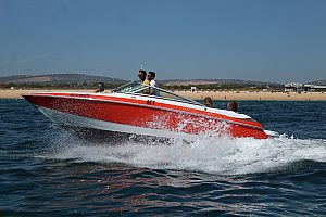 Speedboot an der Algarve