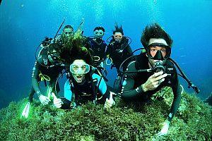 Buceo en Ibiza: curso de bucear o inmersión guiada