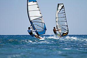 En el suroeste de Mallorca: windsurf en Calanova
