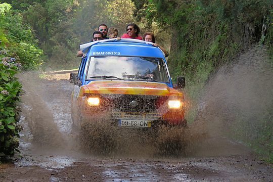 drive an offroad jeep in Madeira