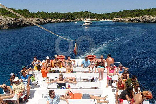 the Menorca boat trip to paradisial beaches