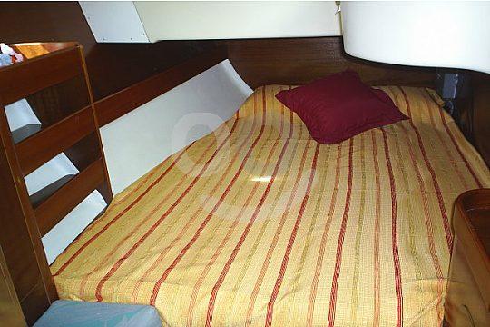 sleep on the sailboat