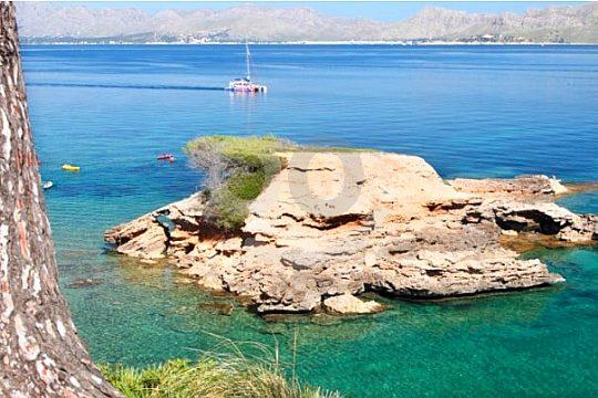 catamaran trip to Formentor