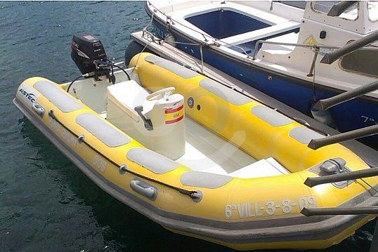 rent a boat in Chipiona without licence