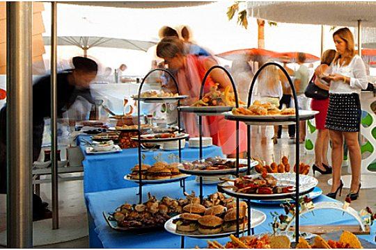 buffet anima beach club at the beach