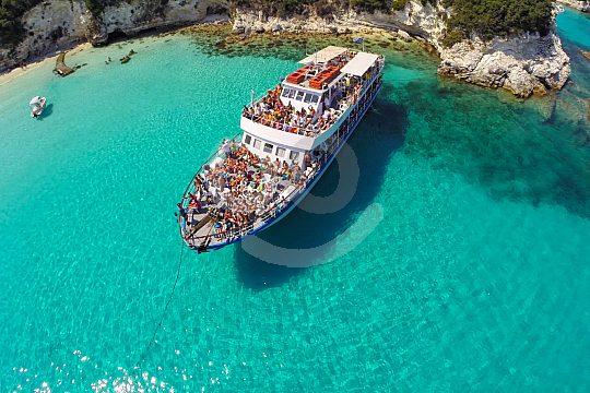 boat cruise starting from corfu