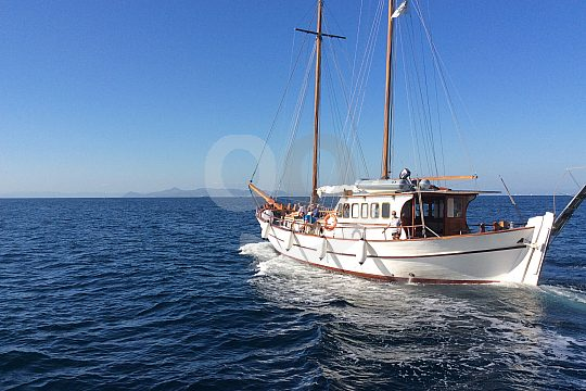 Sailing yacht charter in Athens