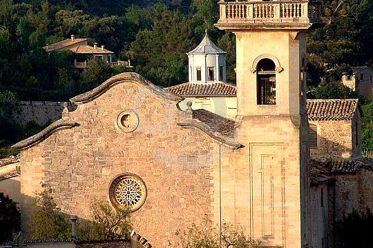 visit the monastery of Valldemossa