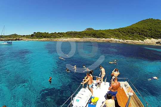 amazing tour with the boat from Cala Ratjada