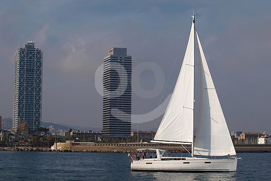romantic sailing in Barcelona