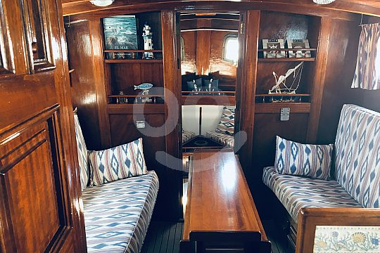 Comfortable luxury deck