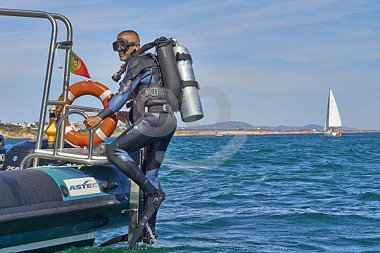 Divers in the Algarve