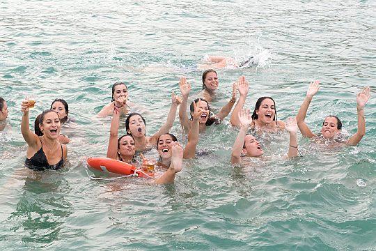 Dancing and cooling down in the Atlantic Ocean