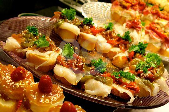 eat tapas in Cadiz