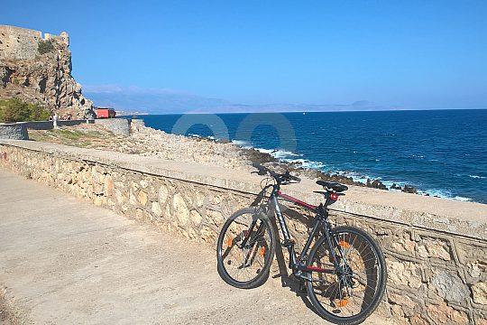bike hire Crete coastal tour