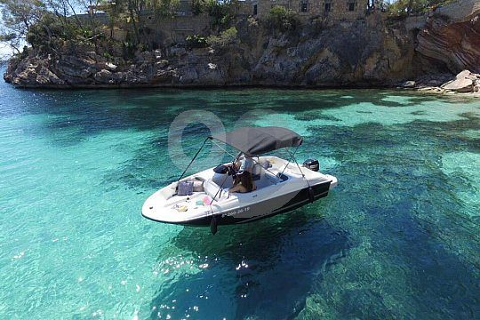 Boat trip off the coast of Mallorca no licence required