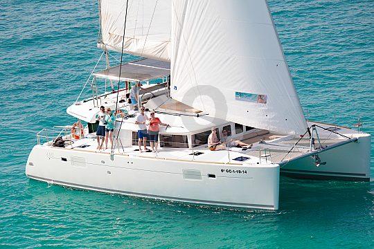 Cruise on sailing catamaran from Morro Jable