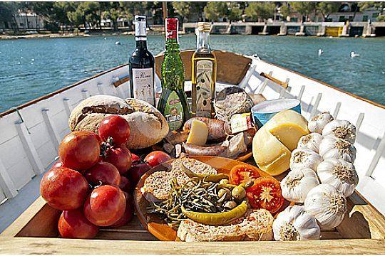 Eating during a boat trip in Mallorca