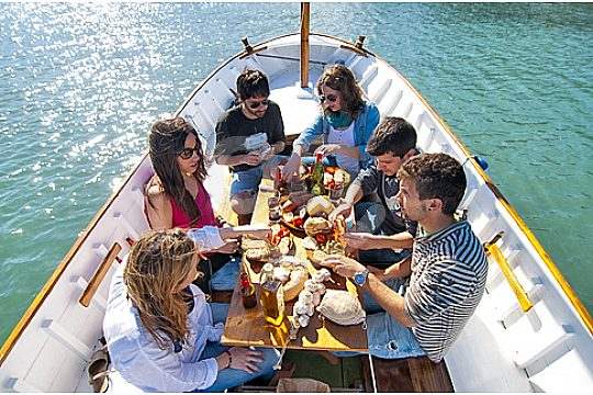 Boat trip with up to six persons