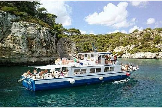 the best boat trip in Menorca