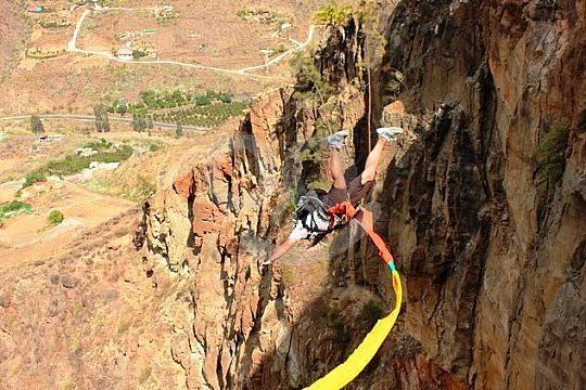 The bungee jumping rope in Las Palmas de Gran Canaria