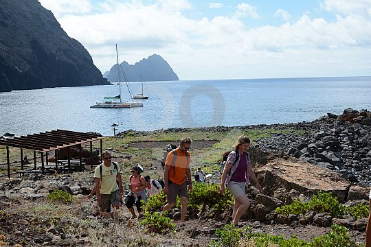 Catamaran tour with stop in Ilhas Desertas