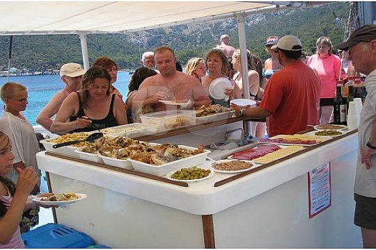 Pollensa catamaran excursion with lunch