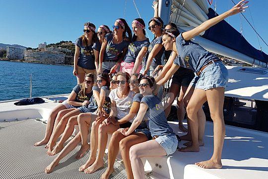 friends rent the catamaran in Santa Ponsa