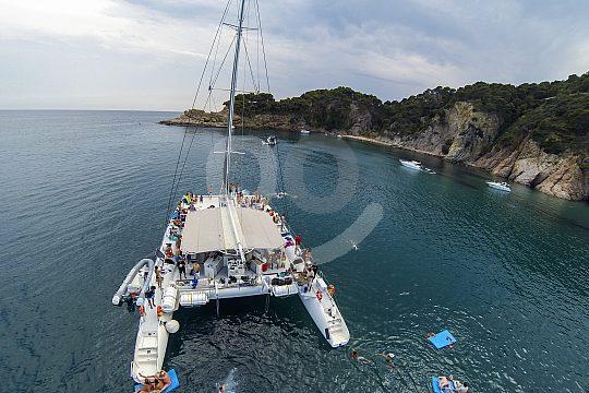 catamaran anchoring
