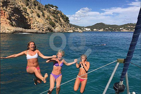 private catamaran tour for birthday