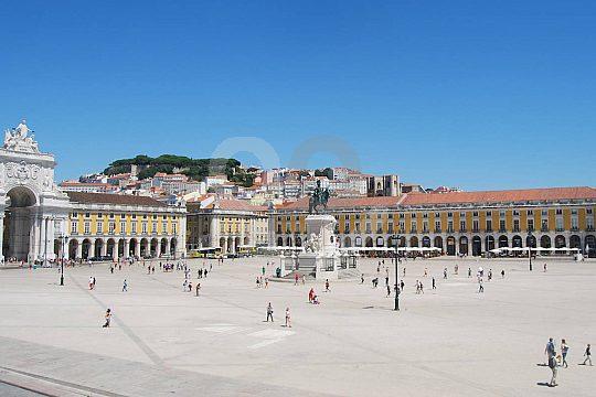 Tuk Tuk fahren in Lissabon und die Stadt besichtigen