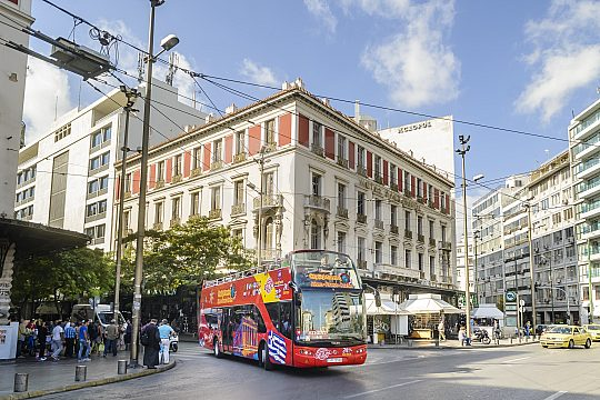 explore Athens with the city sightseeing bus