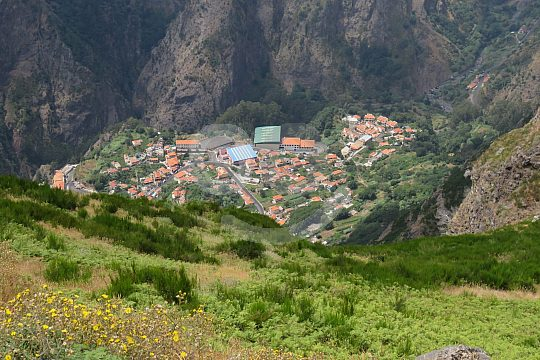 explore nun's valley in Madeira by jeep