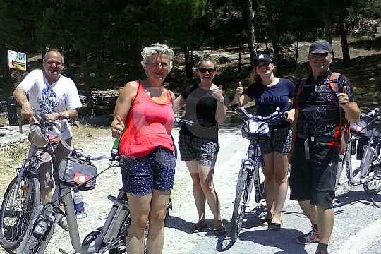 from Rethymno on a sightseeing tour with e-bikes
