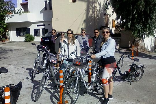 cycling tour in Crete with guide