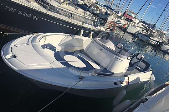With 115 hp at sea in Torrevieja