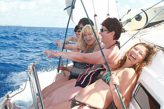 Women sailing in Mallorca
