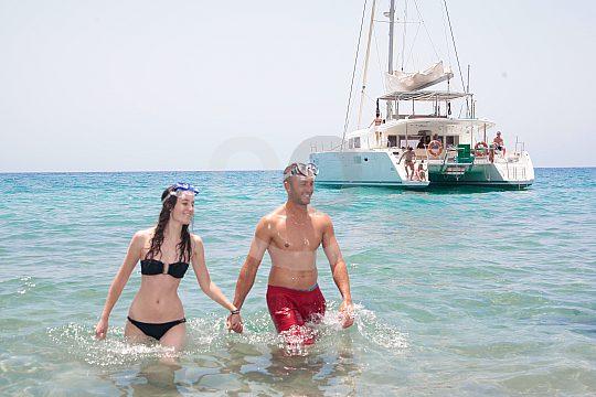 Bathing break on Fuerteventura boat tour