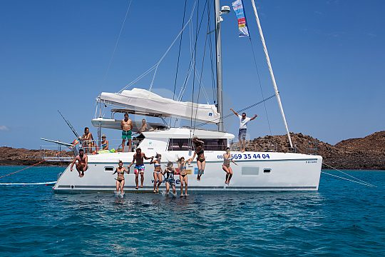 Island Experience Catamaran Tour