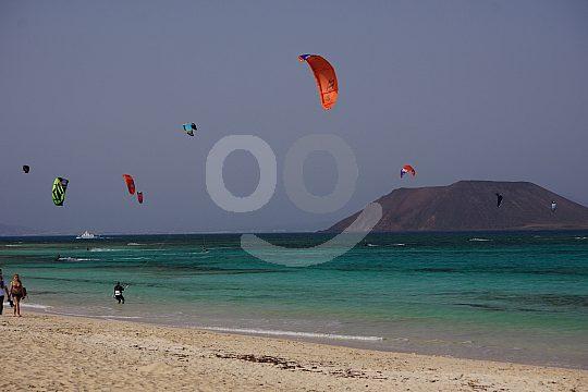 kitesurfing on Flag Beach