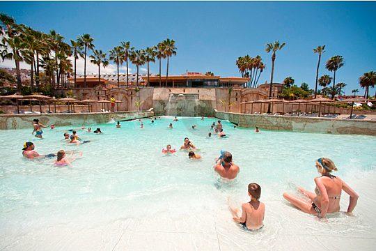 Wave pool at Aqualand Costa Adeje